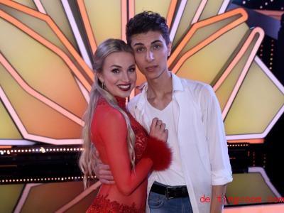 Lukas Rieger und seine Tanz-Partnerin Katja Kalugina. Foto: Henning Kaiser/dpa