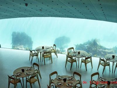 Dieses Restaurant hat den Speisesaal unter dem Meeresspiegel. Foto: Tor Erik Schrøder/NTB scanpix/dpa