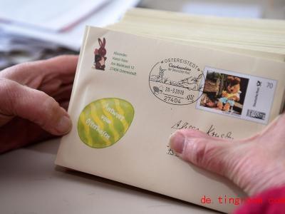 Beim Osterhasen-Büro der Deutschen Post in Ostereistedt gehen jedes Jahr Tausende Briefe von Kindern ein. Foto: Carmen Jaspersen/dpa