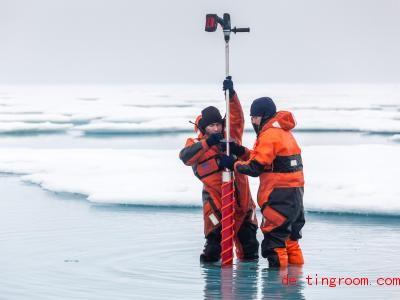 Immer mehr Eis schmilzt, ehe es das Zentrum der Arktis erreicht. Foto: M. Hoppmann/Alfred-Wegener-Institut/dpa