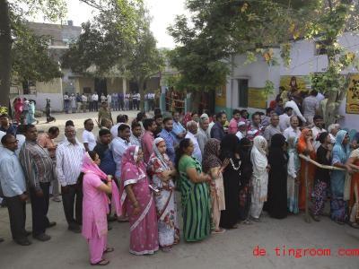 Ungefähr 900 Millio<em></em>nen Menschen dürfen gerade in Indien wählen gehen. Foto: Manish Swarup/AP/dpa