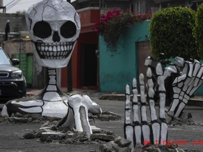 Im Land Mexiko ist die Erinnerung an die Toten ein großes Fest. Foto: Ernesto Álvarez/NOTIMEX/dpa