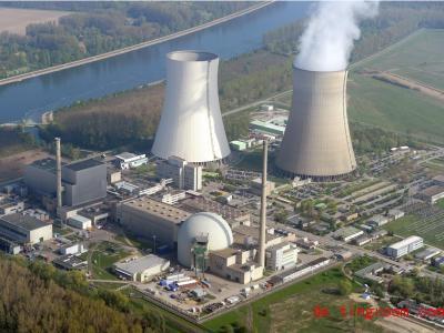 Da steigt noch Dampf auf. Jetzt aber ist das Atomkraftwerk ausgeschalten. Foto: Uli Deck/dpa