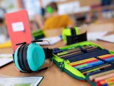 An Ganztagsschulen kann man bis nachmittags an der Schule bleiben. Foto: Sven Hoppe/dpa