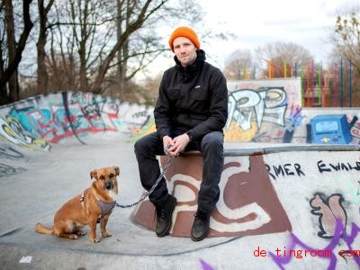 Max Beckmann baut Skate-Anlagen. Foto: Hauke-Christian Dittrich/dpa
