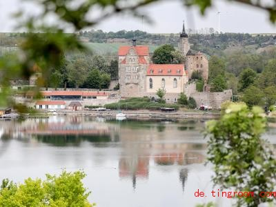Schon vor Hunderten Jahren stand an dieser Stelle eine Burg, aber seitdem wurde das Gebäude immer wieder umgebaut. Foto: Jan Woitas/dpa-Zentralbild/dpa